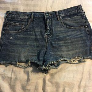 🔥FREE PEOPLE🔥 Cut Off Denim Shorts